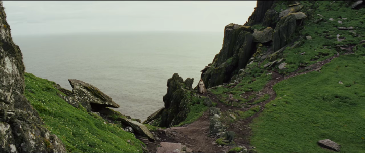 Behind-the-scenes clip features new dialogue from Rey,Luke