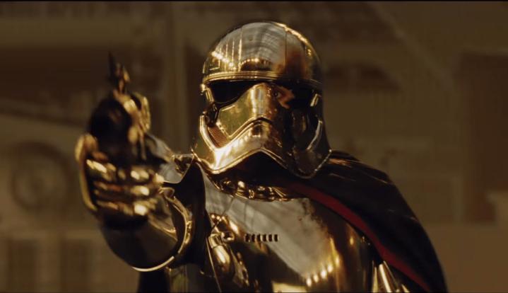 The Last Jedi deleted scene reveals alternate Finn vs. Phasmafight