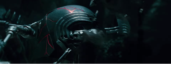 J J Abrams Confirms The Reason Why Kylo Ren Wears His Cracked Mask In The Rise Of Skywalker Star Wars Thoughts